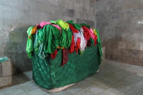 Knopen brengen geluk in de Lalesh-tempel